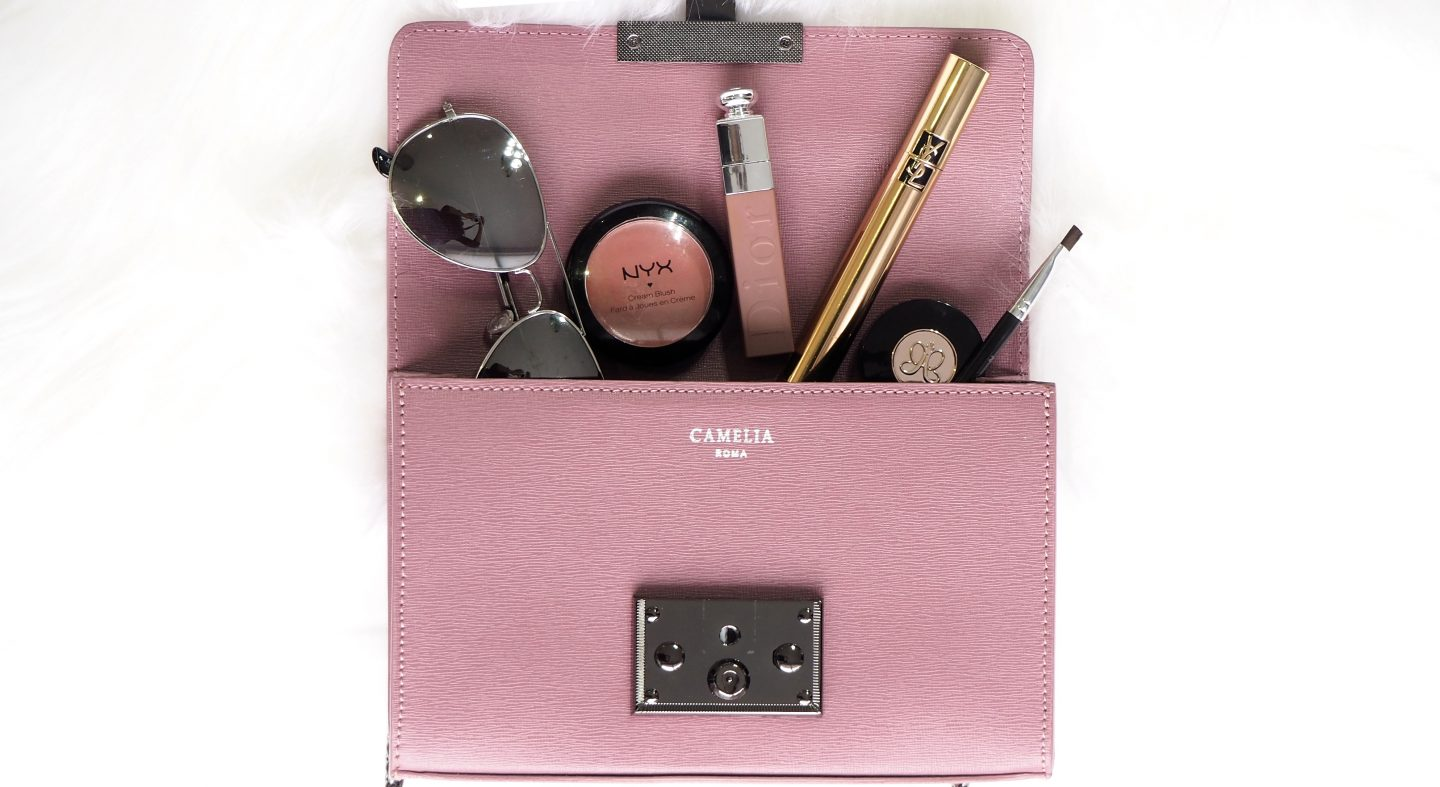 Handbag Essentials no girl should go without!